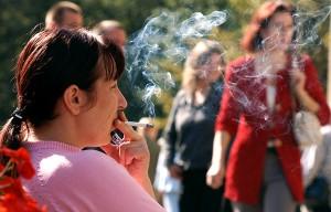 Dwie trzecie mieszkańców Europy sięga po papierosy jeszcze przed osiągnięciem wieku 18 lat Fot. Marian Paluszkiewicz