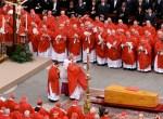 Na razie nie wiadomo, jaki los spotka szczątki zmarłego w 2005 roku Jana Pawła II po tym, gdy zostanie ogłoszony świętym Fot. archiwum