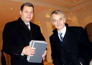 Mustafa Dżemilew z dr Adasem Jakubauskasem, przedstawicielem Medżlisu na Litwie<br/>Fot. Marian Paluszkiewicz