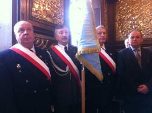 W Wilnie gościli członkowie załogi 103 Pułku Lotniczego Nadwiślańskich Jednostek Wojskowych. Pierwszy od lewej pułkownik Jan Urbaniak<br/>Fot. Honorata Adamowicz