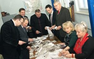 Kapituła w pocie czoła musiała pracować, by policzyć 28 218 głosów Fot. Marian Paluszkiewicz