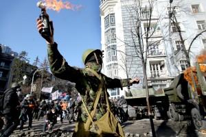 """""""Mamy w centrum Kijowa prawdziwa wojna"""" - mówi kijowski Polak Fot. EPA–ELTA"""