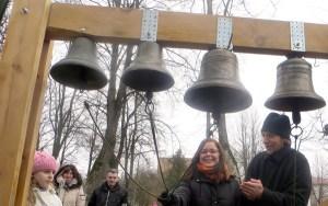 Lekcja gry na dzwonach u ojca Olega Fot. Anna Pieszko