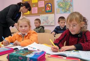 Uczniowie klas początkowych nie mają niestety odpowiedniego podręcznika do nauki języka litewskiego dla początkujących Fot. Marian Paluszkiewicz