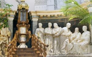Centralny obraz ukazuje Ostatnią Wieczerzę Jezusa z uczniami Fot Marian Paluszkiewicz