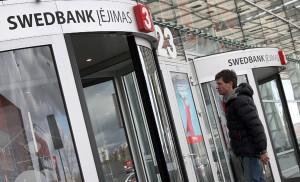 """""""W"""" w swoich nazwach na Litwie mogą od dawna używać banki, firmy i knajpy, ale władze obiecują, że już niebawem również Polacy w swoich nazwiskach będą mogli używać """"w"""" i inne """"nielitewskie"""" litery  Fot. Marian Paluszkiewicz"""