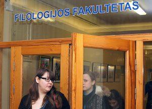 Nadal większość osób młodych decyduje się na nauki humanitarne Fot. Marian Paluszkiewicz