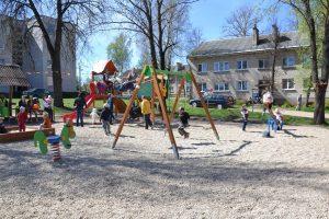 Dzieci odważnie rzucili się w wir zabaw