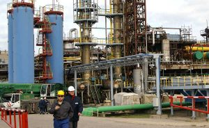 """Będąca w tarapatach rafineria """"Orlen Lietuva"""" na razie nie doczekała się wsparcia ze strony władz Litwy<br/>Fot. Marian Paluszkiewicz"""