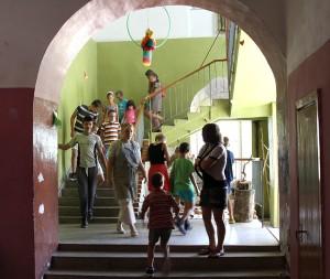 Wycieczka do Pałacu – to przeniesienie się do historii, labiryntów tego gmachu... Fot. Marian Paluszkiewicz