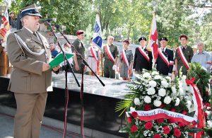 Płk Zbigniew Szlęk przypomniał  zebranym, że wolność jest rzeczą kruchą, toteż należy o nią ciągle walczyć  Fot. Marian Paluszkiewicz
