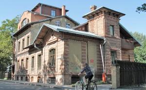 Dom mieszkalny z pierwszej połowy XX wieku  Fot. Marian Paluszkiewicz