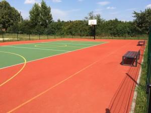 Nowe boisko sportowe przy szkole w Zujunach