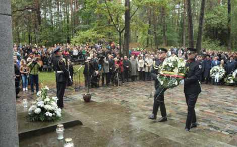 Obchody te upamiętniają likwidację w 1943 r. Getta Wileńskiego, a w tym roku zbiegły się też z 70. rocznicą likwidacji getta w Kownie i Szawlach<br>Fot. ELTA