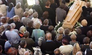 Wydatki, które wpływają na całkowity koszt pogrzebu, zależą od wielu rzeczy Fot. Marian Paluszkiewicz