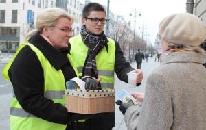 """W kampanii """"16 dni bez przemocy"""" wzięła udział minister pracy i ochrony społecznej Algimanta Pabedinskienė Fot. Marian Paluszkiewicz"""