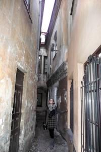Przy ulicy Sawicz znajduje się najwęższa uliczka wileńska Fot. Justyna Giedrojć