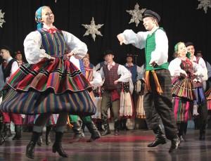 W drugiej części koncertu zaprezentowane zostały tańce i suity z różnych regionów Polski Fot. Marian Paluszkiewicz