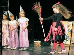 To właśnie z teatru przedszkolnego wyrastają prawdziwi artyści Fot. Marian Paluszkiewicz