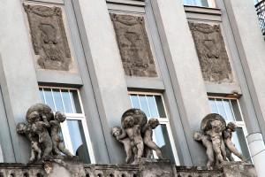 W kamienicy pod nr 10 zainstalowana była pierwsza w Wilnie winda Fot. Marian Paluszkiewicz