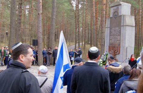 Mieszkańcom Wileńszczyzny symbolem bezlitosnej zbrodni stały się Ponary, które w latach 1941-1945 pochłonęły dziesiątki tysięcy ludzkich żyć  Fot. Marian Paluszkiewicz