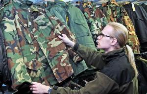 Nie zabrania się nikomu noszenia tzw. mundurów według zagranicznego stylu, nabytych w legalnych sklepach  Fot. Marian Paluszkiewicz