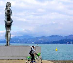 Rzeźba Ali i Nino ― jeden z symboli Batumi Fot. Brygita Łapszewicz