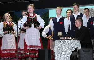 Uczniowie zaprezentowali program artystyczny, poświęcony patronowi gimnazjum Ferdynandowi Ruszczycowi Fot. Marian Paluszkiewicz