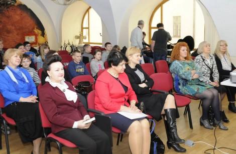 """Nauczyciele, dziennikarze, ludzie kultury za aktywny udział w projekcie """"Dzień dobry, Polsko"""" byli odznaczeni dyplomami  Fot. Rimas Vilavičius"""