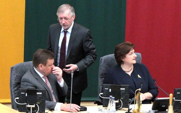 Sejm blokuje obiecane Polakom projekty ustaw