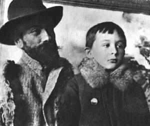 Rok 1898. Stanisław Witkiewicz (ojciec) z synem Stasiem Ignasiem, przyszłym Witkacym Fot. archiwum