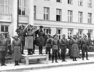 Wspólna defilada zwycięstwa nad Polską bolszewickich i faszystowskich wojsk 23-go września 1939 roku w Brześciu Fot. archiwum
