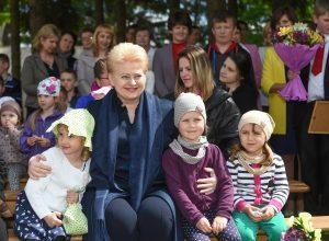 """""""Państwo jest zainteresowane równomiernym rozwojem wszystkich regionów Litwy"""" — zapewnia Dalia Grybauskaitė Fot. lrp.lt"""