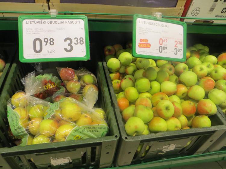 W sieciach handlowych pojawiły się jabłka z jesiennego zbioru Fot. Anna Pieszko