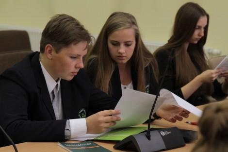 Wczoraj w samorządzie rejonu wileńskiego odbył się egzamin z konstytucji Fot. Marian Paluszkiewicz