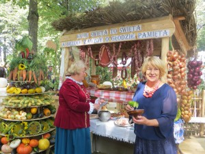 Gospodarze zagród dożynkowych zadbali o oryginalny wystrój i ucztę dla podniebienia Fot. Anna Pieszko