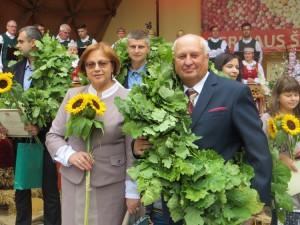 """Wieniec dla """"Rolnika Roku"""" — Pawła Griaznowa z małżonką Fot. Anna Pieszko"""