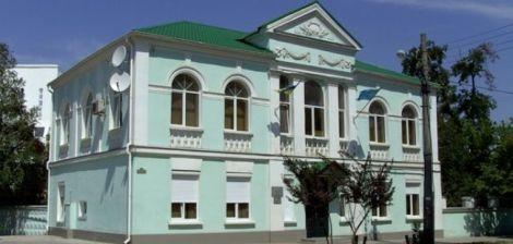 Medżlis, czyli tatarski rząd w Symferopolu, był ostatnim budynkiem, na którym po zajęciu Krymu przez Rosję powiewała ukraińska flaga  Fot. archiwum