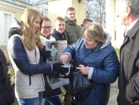 Pieniądze zebrane podczas kwesty zostaną wykorzystane na renowację pomników na Rossie                                            Fot. archiwum