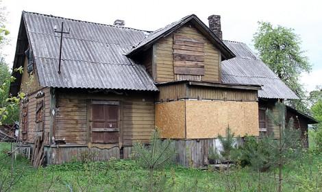 Dom w Czarnym Borze pod Wilnem, w którym w czasie okupacji niemieckiej mieszkał Józef Mackiewicz (stan obecny) Fot. Marian Paluszkiewicz