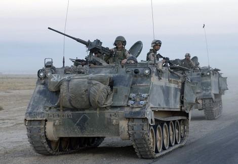 Nowe kołowe transportery opancerzone mają zastąpić przestarzałe, gąsienicowe transportery typu M113 Fot. Wikipedia.org
