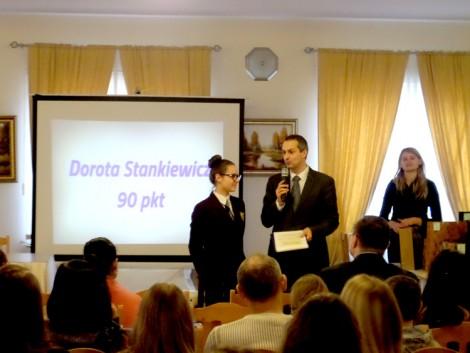 Dorota Stankiewicz ze Szkoły Podstawowej im. Cz. Miłosza w Pakienie zajęła III miejsce Fot. EFHR