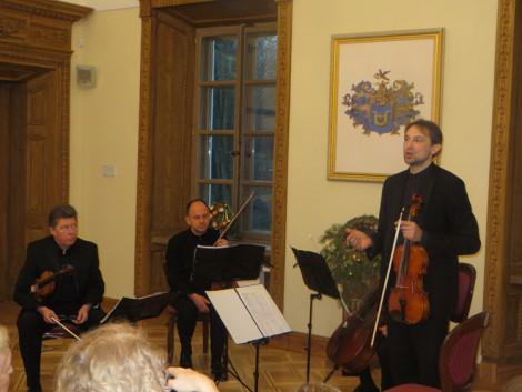 """W Pałacu Balińskich w Jaszunach brzmiała muzyka klasyczna w wyjątkowym wykonaniu """"Kwartetu Čiurlonisa""""  Fot. Anna Pieszko"""
