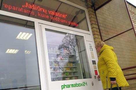 Paracetamol z automatu można było nabyć także w weekendy, a nawet w nocy Fot. Anna Pieszko