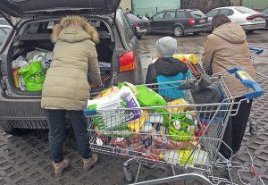 Litwini korzystają z niższych cen w polskich sklepach Fot. Witold Janczys
