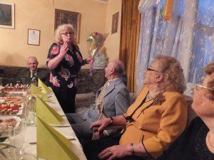 Krewni, znajomi, sąsiedzi składali gratulacje szanownym Jubilatom Fot. z albumu rodzinnego