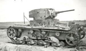 Spalony sowiecki czołg T-26 Fot. Waldemar Szełkowski