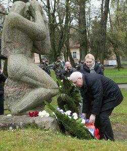 Litwa 26 kwietnia uczciła 30 rocznicę katastrofy w Czarnobylu w parku byłego szpitala św. Rocha. Fot. ELTA