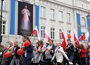 W pochodzie udział wzięło ok. 8 tysięcy litewskich Polaków Fot. Marian Paluszkiewicz