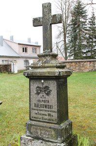 O polskich śladach w Hanuszyszkach przypominają dziś jedynie inskrypcje na nagrobkach Fot. Marian Paluszkiewicz